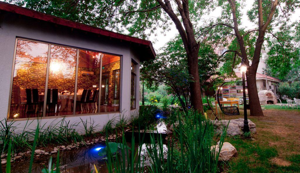 20140704_孔雀花园餐厅_紫玉山庄-007